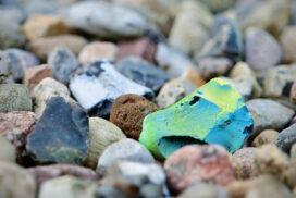 Bunte Steine am Strand - von Andreas Jahnke fotografiert